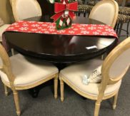 Pottery Barn table with leaf! Just in!