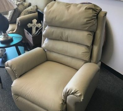 Electric lift chair - in excellent conditon!