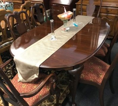 Ethan Allen table with 2 leaves, 6 chairs