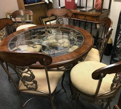 Round glass and Iron table with 4 chairs