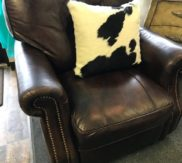 Bassett leather recliner! Excellent condition!