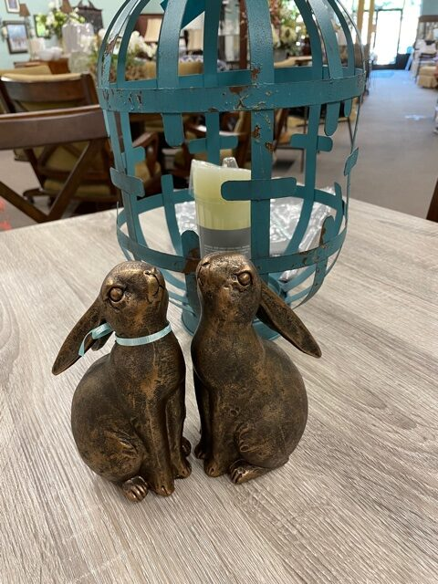 Madison bunny bookends
